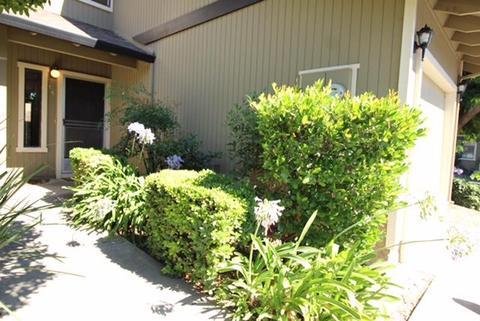801 Nash Rd #C6, Hollister, CA 95023