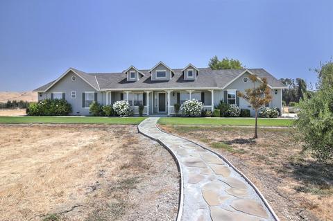 525 Caballo Ct, Hollister, CA 95023