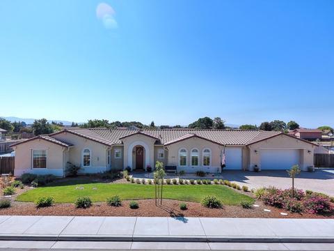 244 Rosebud Ln, Hollister, CA 95023