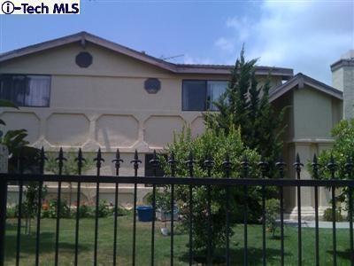 9611 Sunland Blvd, Sunland, CA 91040
