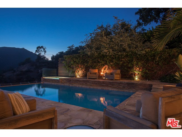 1535 Umeo Rd, Pacific Palisades, CA