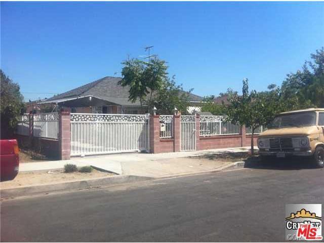 7532 Lemp Ave, North Hollywood, CA 91605