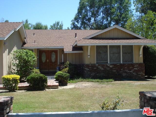 15932 Osborne St, North Hills, CA