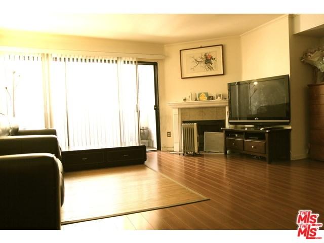631 S Kenmore Avenue #301, Los Angeles, CA 90005