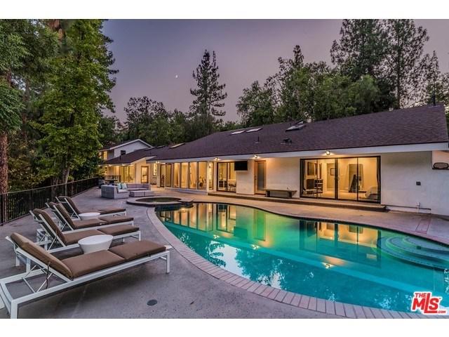 4822 Queen Victoria Rd, Woodland Hills, CA