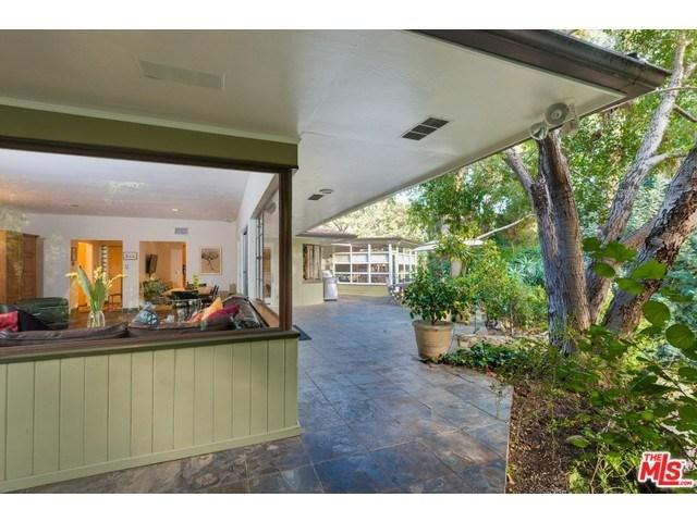 1581 Clear View Dr, Beverly Hills, CA