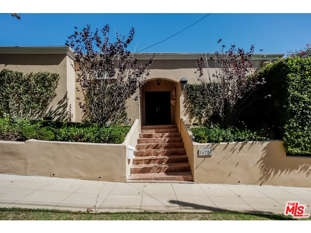16781 Bollinger Dr, Pacific Palisades, CA