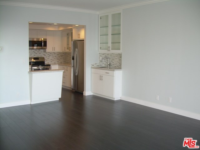 321 S San Vicente Blvd #APT 704, Los Angeles, CA