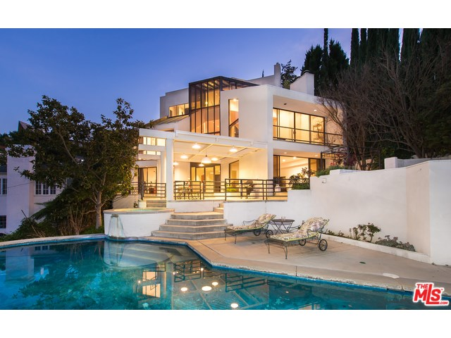 14613 Round Valley Dr, Sherman Oaks, CA