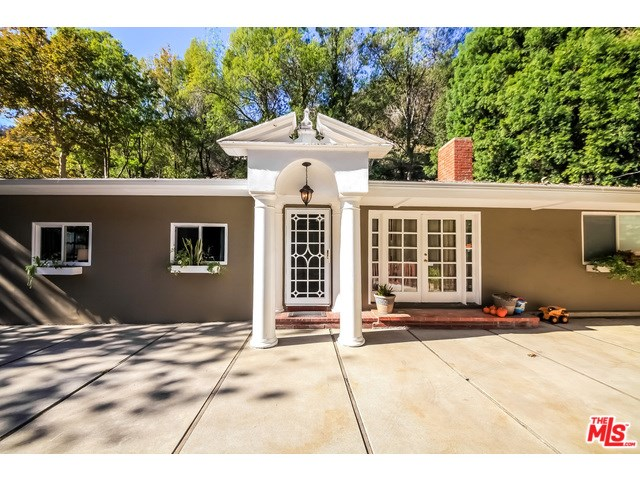 1941 Benedict Canyon Dr, Beverly Hills, CA
