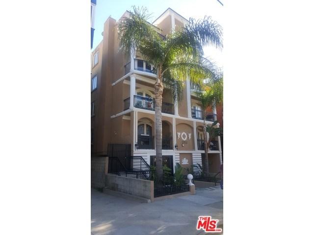 11952 Montana Ave #APT 203, Los Angeles, CA