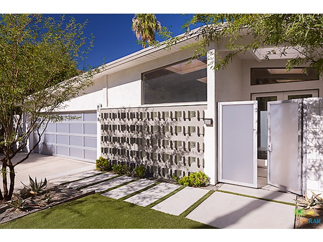 894 N Topaz Cir, Palm Springs, CA