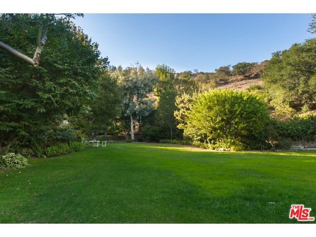 13187 Chalon Rd, Los Angeles, CA 90049