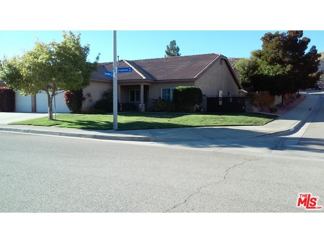 3958 Grandview Dr, Palmdale, CA