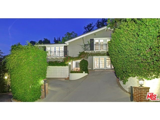 9455 Readcrest Dr, Beverly Hills, CA