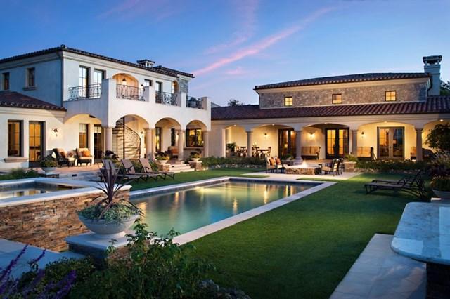 18394 Via Ambiente, Rancho Santa Fe, CA 92067