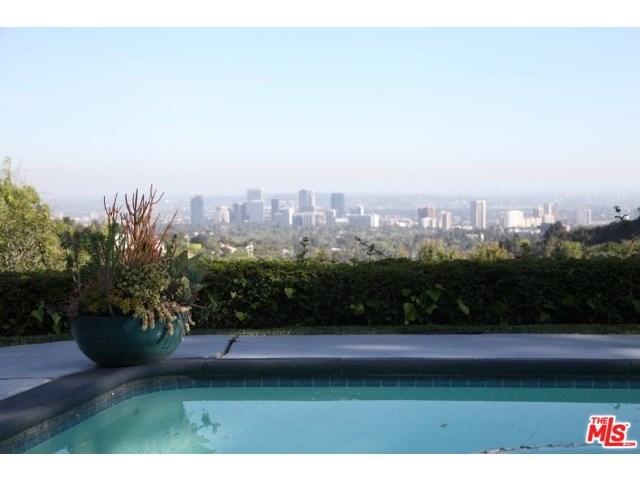 10727 Stradella Court, Los Angeles, CA 90077