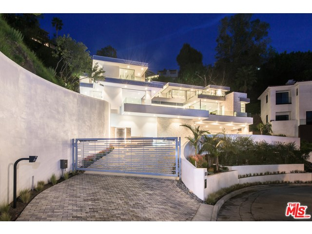 9311 Readcrest Dr, Beverly Hills, CA