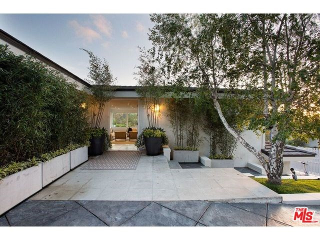 9626 Highridge Dr, Beverly Hills, CA