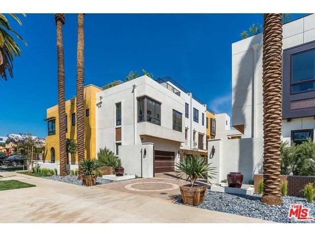 822 N June St, Los Angeles, CA 90038