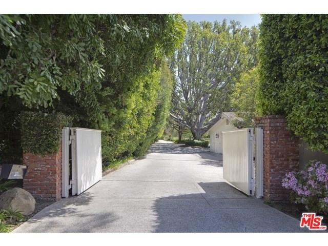 1642 Mandeville Canyon Road, Los Angeles, CA 90049