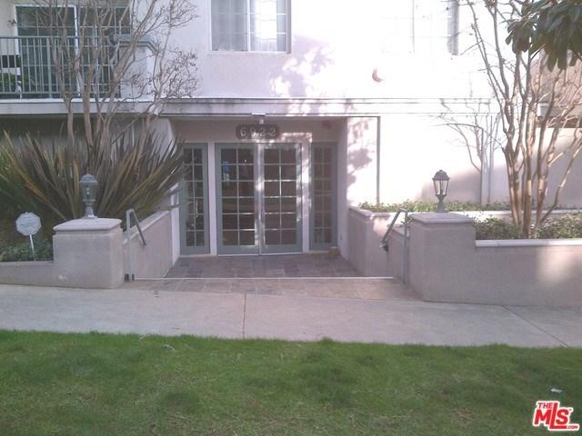 6922 S Knowlton Pl #APT 202, Los Angeles, CA