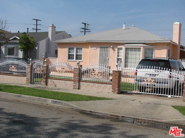 1935 W 91st Place, Los Angeles, CA 90047