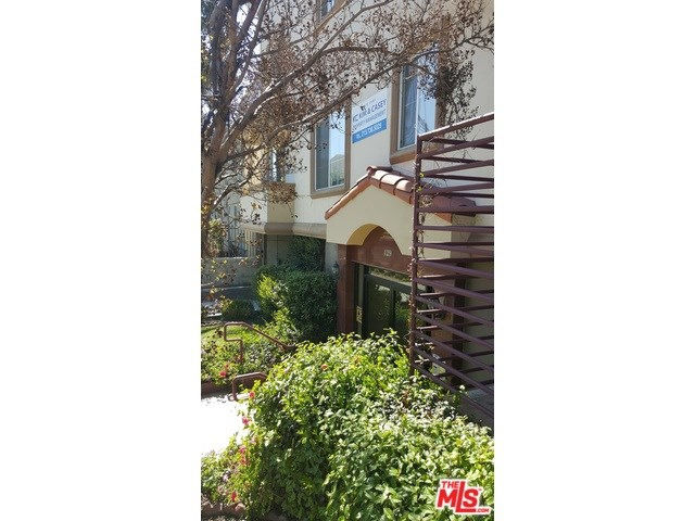 429 S Street Andrews Place, Los Angeles, CA 90020