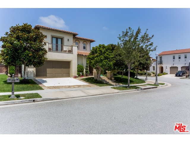 8002 Bell Crest Dr, Los Angeles, CA