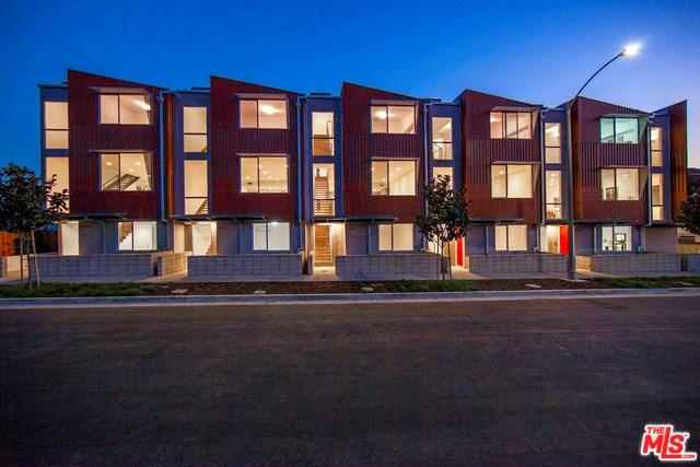 8556 S Emerson Ave, Los Angeles, CA 90045