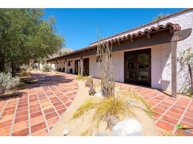 440 W Chino Canyon Rd, Palm Springs, CA
