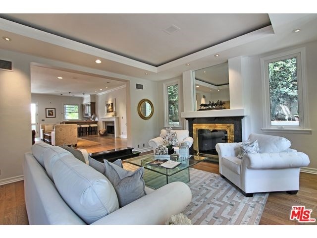 9838 Cardigan Place, Beverly Hills, CA 90210