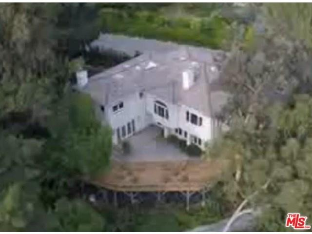 1591 Clear View Dr, Beverly Hills, CA