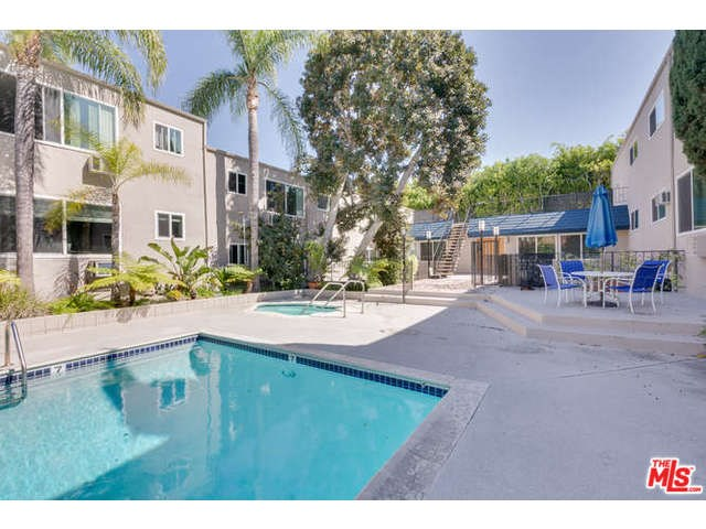 964 Larrabee St #APT 207, West Hollywood, CA