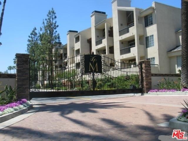 21520 Burbank #APT 215, Woodland Hills, CA