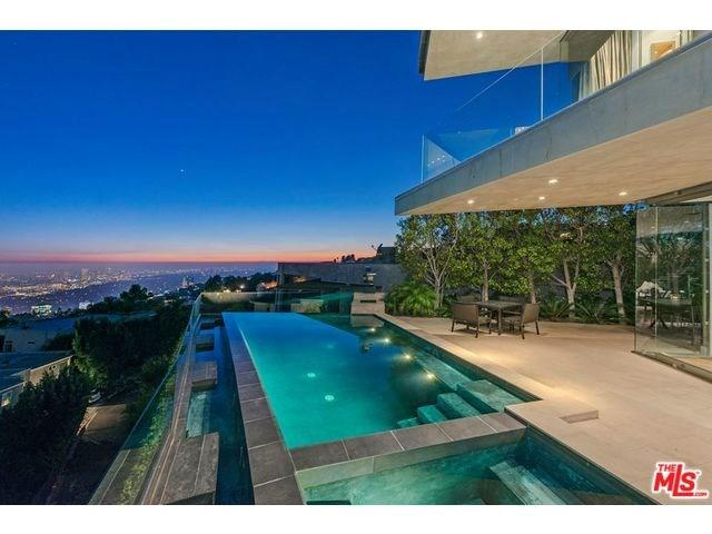 1738 Viewmont Dr, West Hollywood, CA
