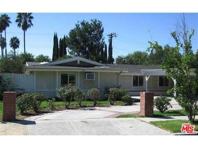 20866 Collins St, Woodland Hills, CA