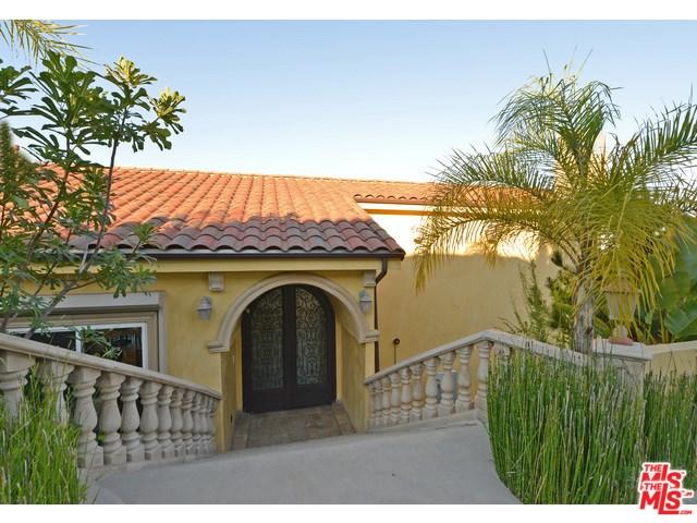 1050 Stradella Road, Los Angeles, CA 90077