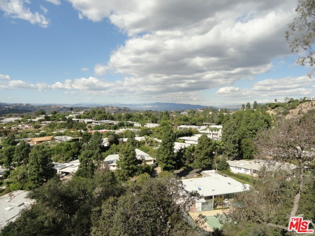 9229 Crescent Drive, Los Angeles, CA 90046