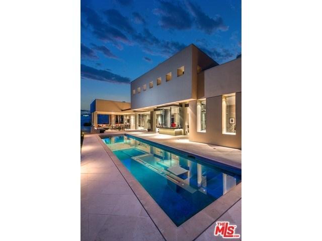 9405 Sierra Mar Pl, Los Angeles, CA 90069