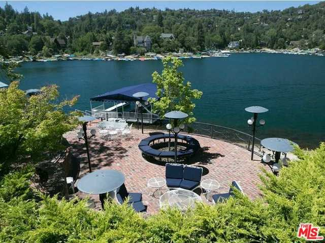 716 Oak Point, Lake Arrowhead, CA 92352