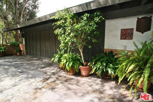 1877 Westridge Rd, Los Angeles, CA 90049