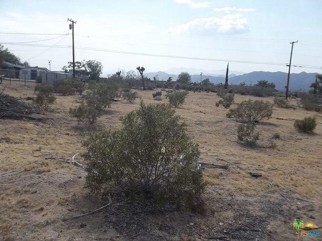 7414 E Alaba Avenue, Yucca Valley, CA 92284