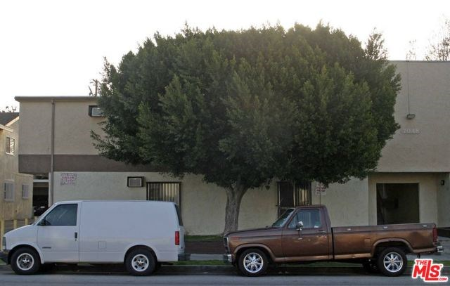 7048 Fulton Avenue, North Hollywood, CA 91605