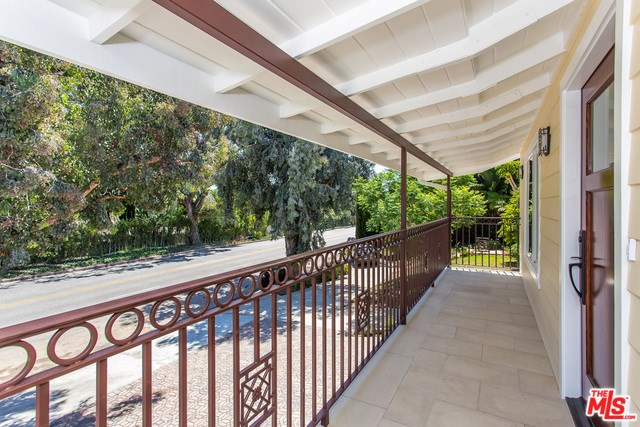 16843 W Sunset, Pacific Palisades, CA 90272