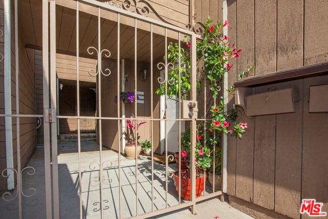 5453 S La Cienega Boulevard, Los Angeles, CA 90056