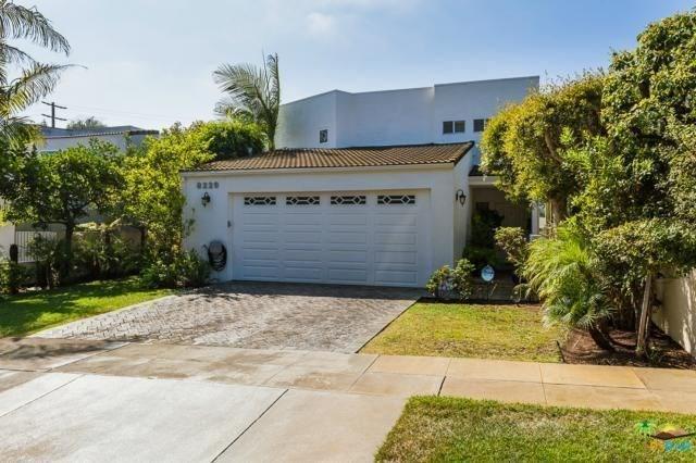 8229 Sunnysea Dr, Playa Del Rey, CA 90293