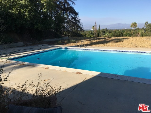 5518 Keokuk Avenue, Woodland Hills, CA 91367