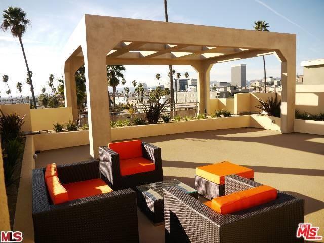 940 Elden Ave #101, Los Angeles, CA 90006