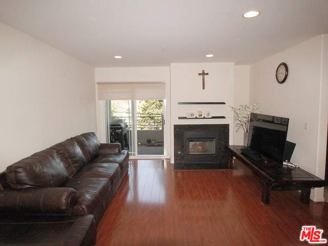 1036 S Serrano Avenue #202, Los Angeles, CA 90006